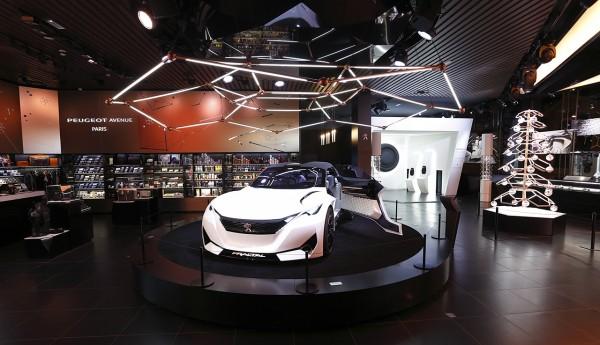 Peugeot_Avenue_Fractal_Paris_01