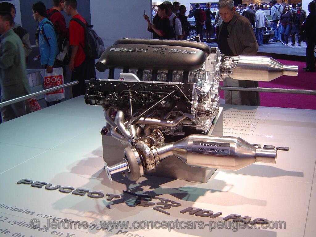 Peugeot 908 Moteur - Mondial de l'auto Paris 2006