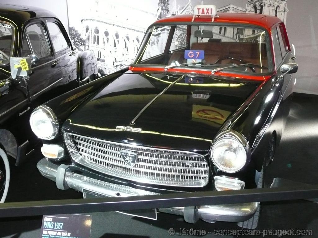 Peugeot 404 Taxi  - Mondial de l'auto 2008 Paris