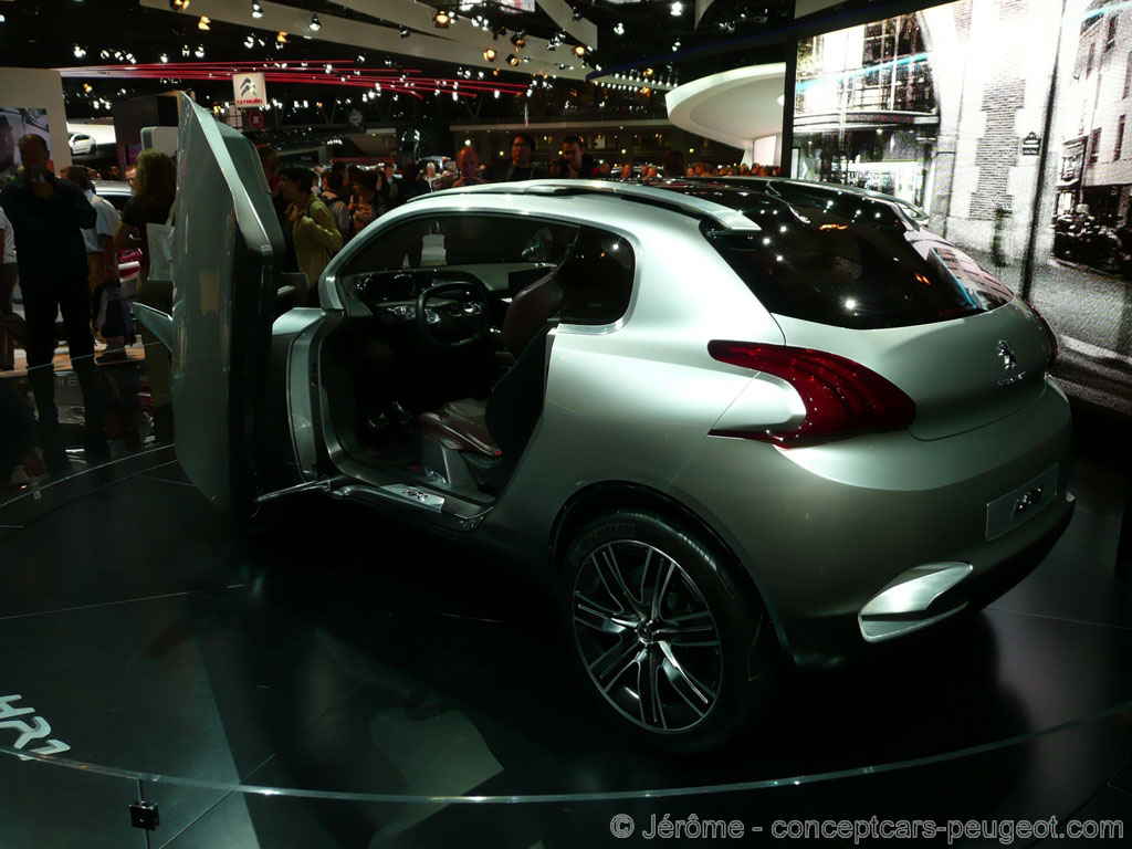 mondial de l auto 2010 les photos du salon les concept cars peugeot. Black Bedroom Furniture Sets. Home Design Ideas
